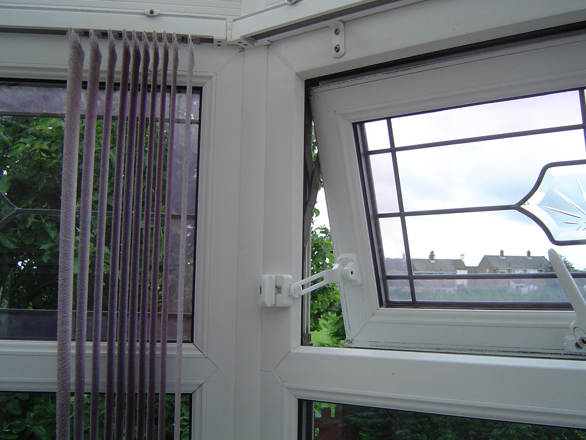 Window Restrictors Door Chains Window Handleslocksmiths
